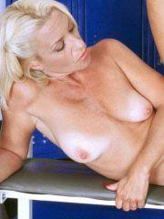 Slutty MILF pays off her gym trainer