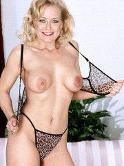Blonde mom with a nice rack