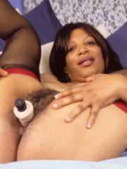 Mature momma shows off her snatch