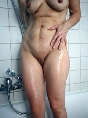 Redhead wife show her naked photos, nice milf exposing..