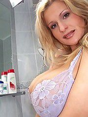Busty Cassandra hot milf photos,..