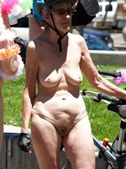 These women are very old, they have flabby body, saggy..