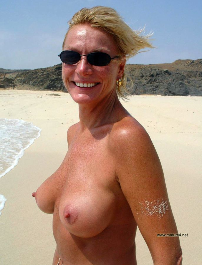 middle aged women with nice tits