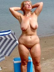 Nude granny outdoor, mature..