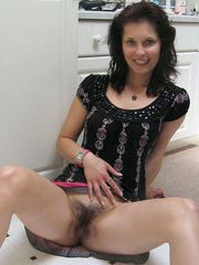 Hot housewives show their hairy beavers on these amateur..