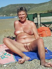 Aged ex wives naked on the beach, close-up pussy pictures