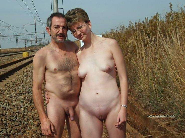 Amateur Nude Couples Outside