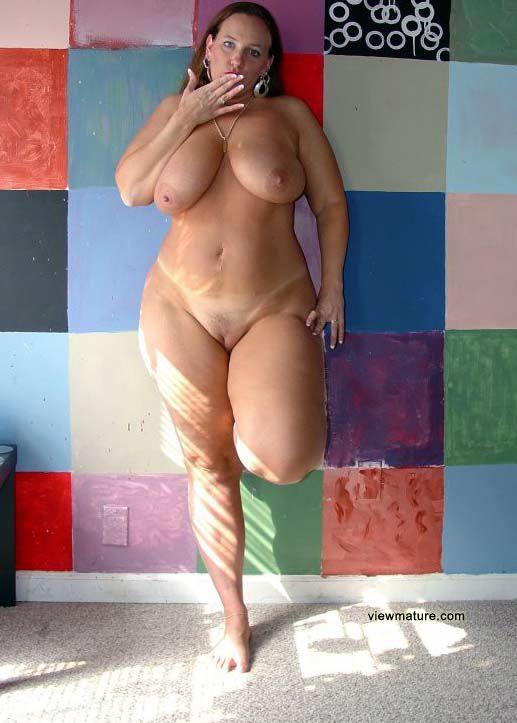 фото голых упитанных дам