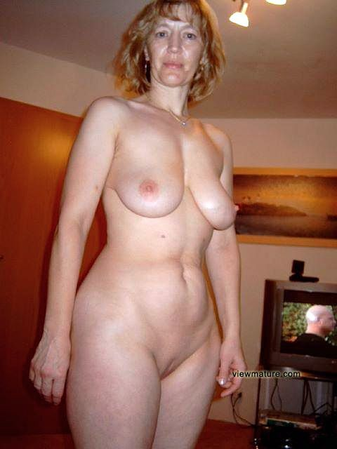 Mature Hot Amateur Moms Nude