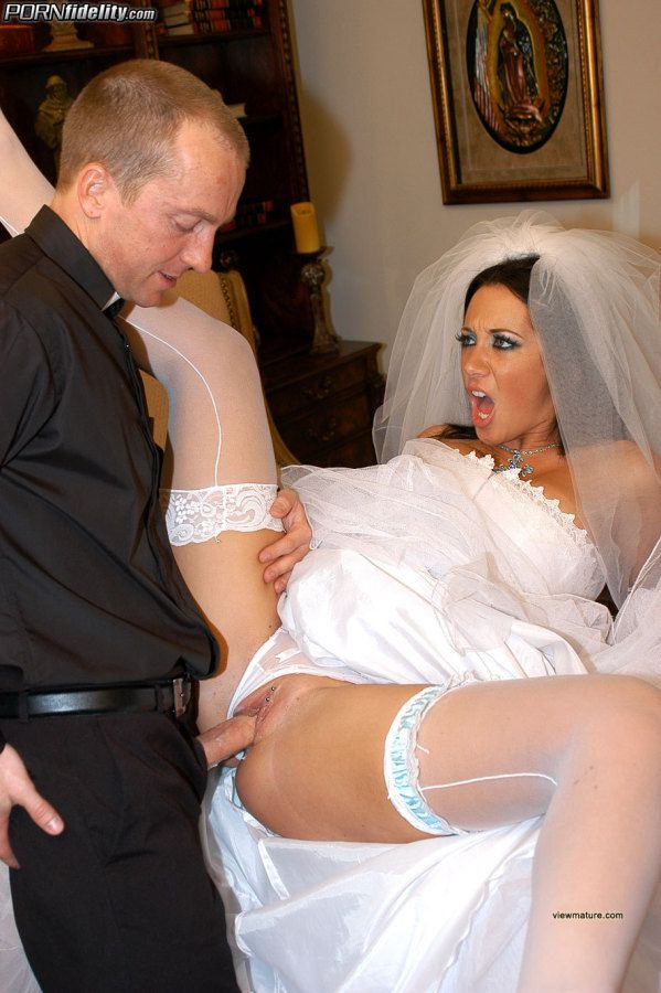 Sexy Bride Jayden James Fucks Her Priest Sex Video -