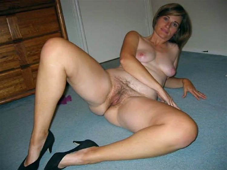 Horny Mature Woman Naked