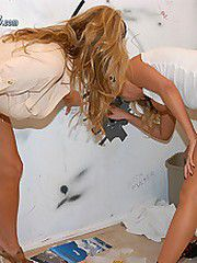 Kelly gets a hot blonde into a bathroom and has a hot..