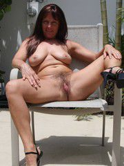 Hot mature women posted their private pictures