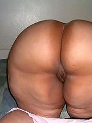 Nasty mature women with big asses,..