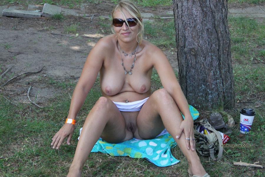 фото частное голых зрелых дам