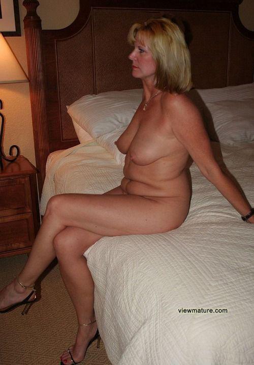 naked fat model girl