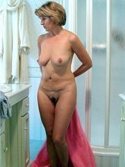Mature old GF in the best nude photo..