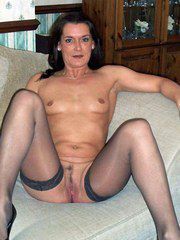 Horny naked wives swallows man tool