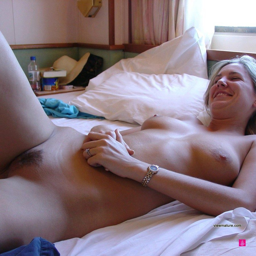 old mature lady nude picture homemade