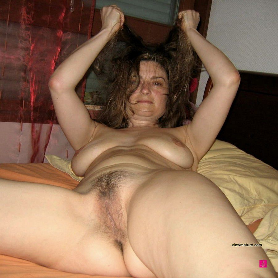 Amateur horney wife