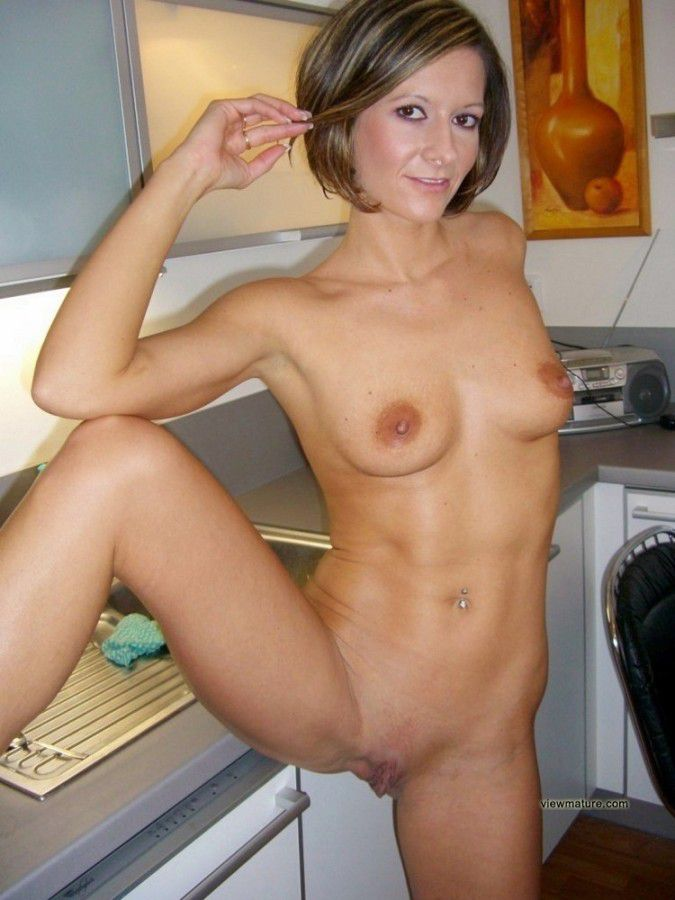 Mature Old Wives Posing Nude Hairy Pussies Amateur Albums