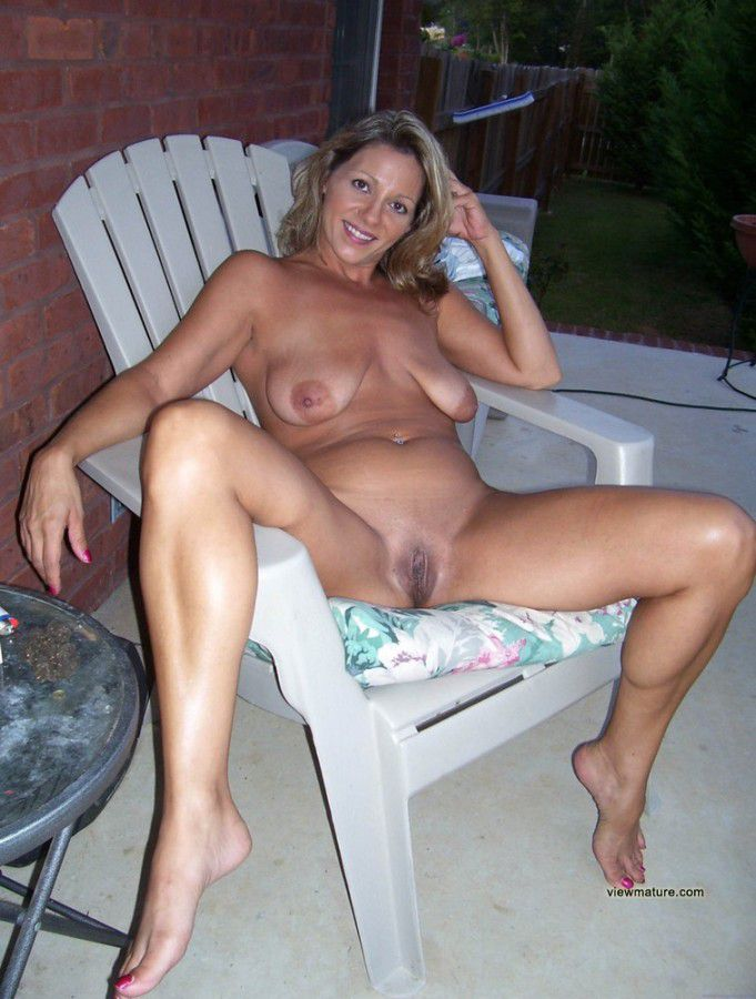 Are My ex wife posing nude for