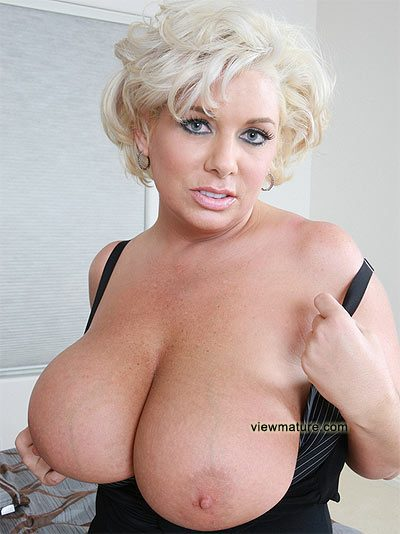 http://mature.adulttrade.net/pictures/507ln/name3.jpg