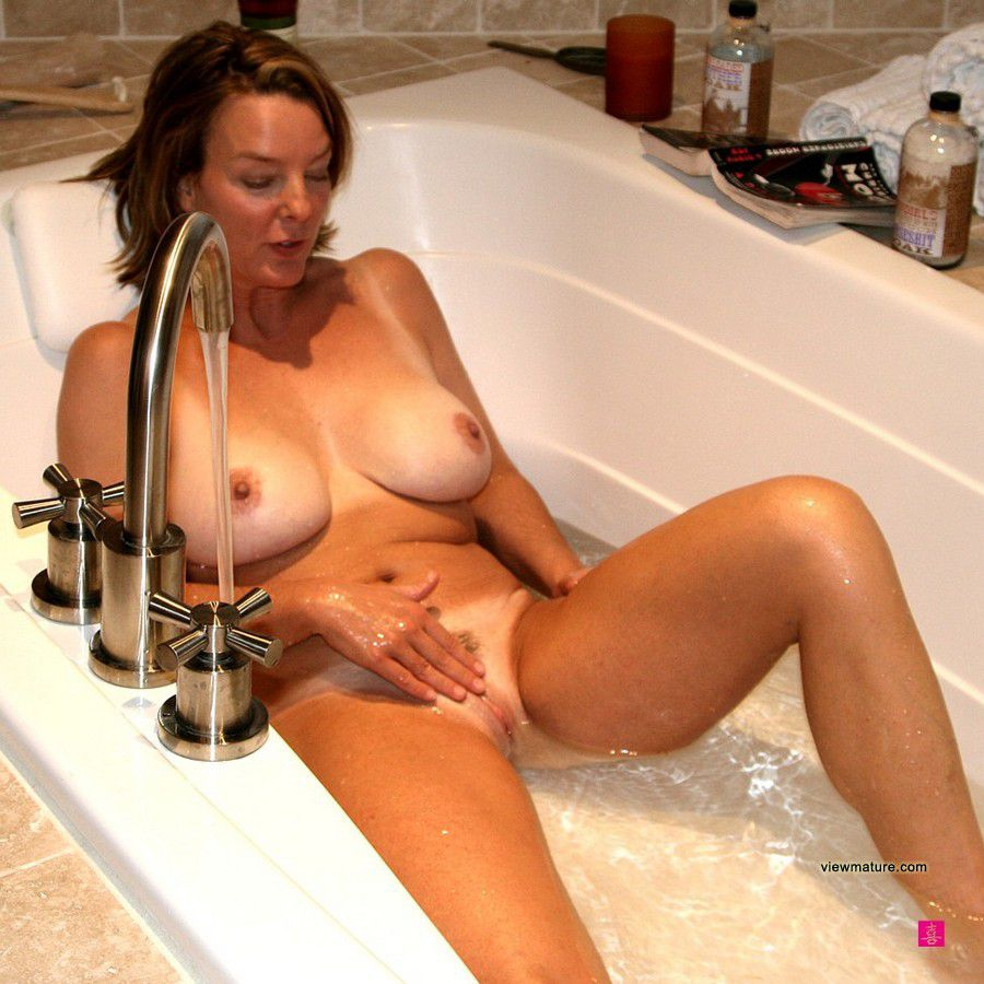 older swinger woman Mature