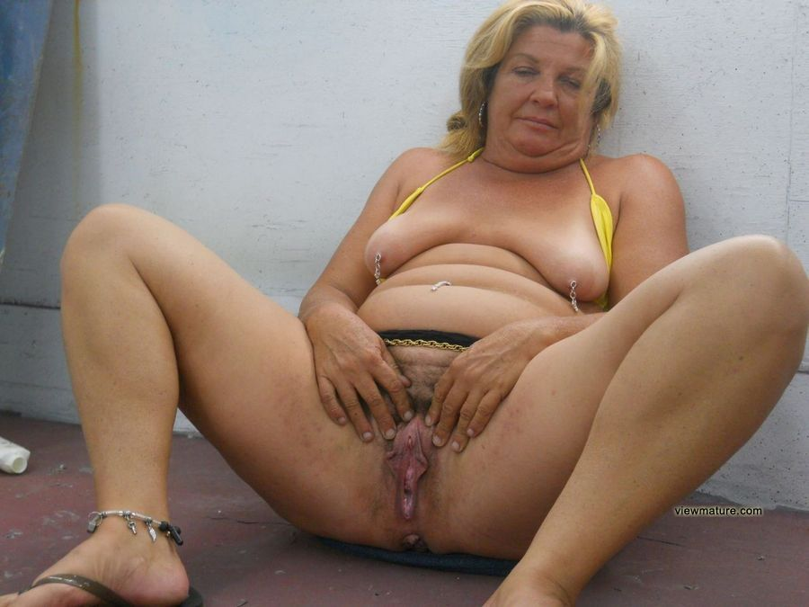 Fat Nude Older Real homemade forbidden pictures of mature fox with sperm on face Photo 1