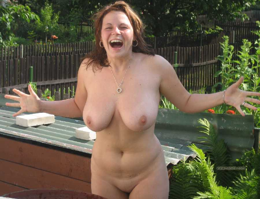 Naturaly busty mature women videos