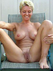 Watch the shaved holes of horny wives, private hd pictures..
