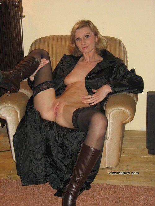 женщины в возрасте в колготках порно фото
