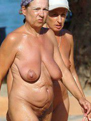 Aged wives posing nude at the public picnic