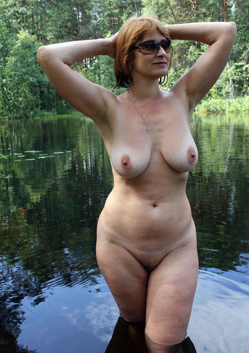 Женщина летняя русская голая 45