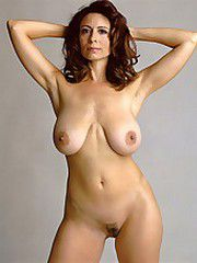 Big natural milf tits pictures, some great porn photos..