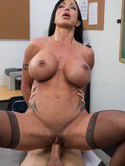 Big Tit Brunette Bimbo Banged Hard In Class