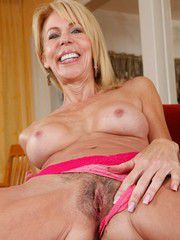 Skinny Blond MILF Erica Lauren Seducing..