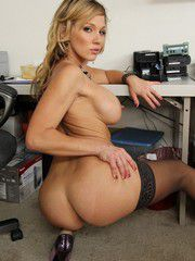 Gorgeous Bimbo Nikki Sexx Playing With Mr. Biggles..