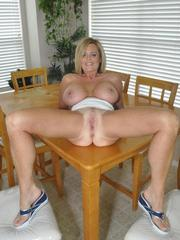 MILF Hottie Lexeigh Present Her Yummy..