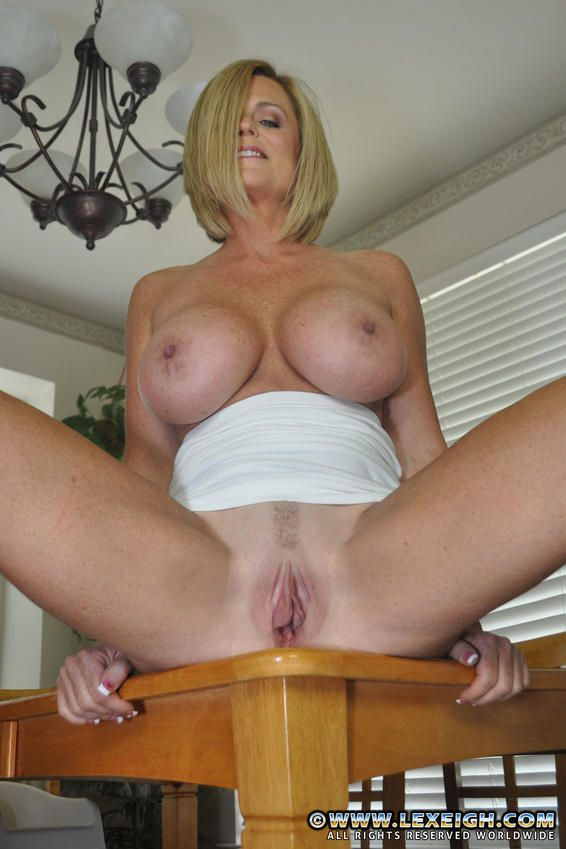 Milf Lexeigh Flaunt Her Yummy Muffin Picture 2 Back On ...