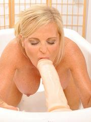 MILF Lexeigh Bounces On A Toy Dick