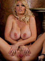 Stunning Mature Porn Star Tit Flaunting