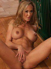Hot Woman Brandi Love Grinding On A Stick