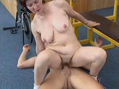 Chubby mature gets facial cumshot