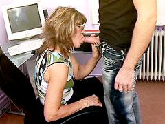 Granny blonde whore suck strong dick and hardcore fucked