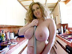 Mature housewife babe with natural..