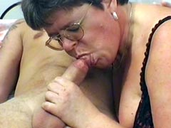 Granny babe in glasses gives blowjob and gets hard cock in..