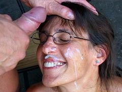 Mature babe in glasses sucks cock and..