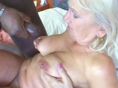 Blonde granny babe gets big black hose in hairy cunt