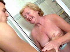 Aged woman sucking cock and..